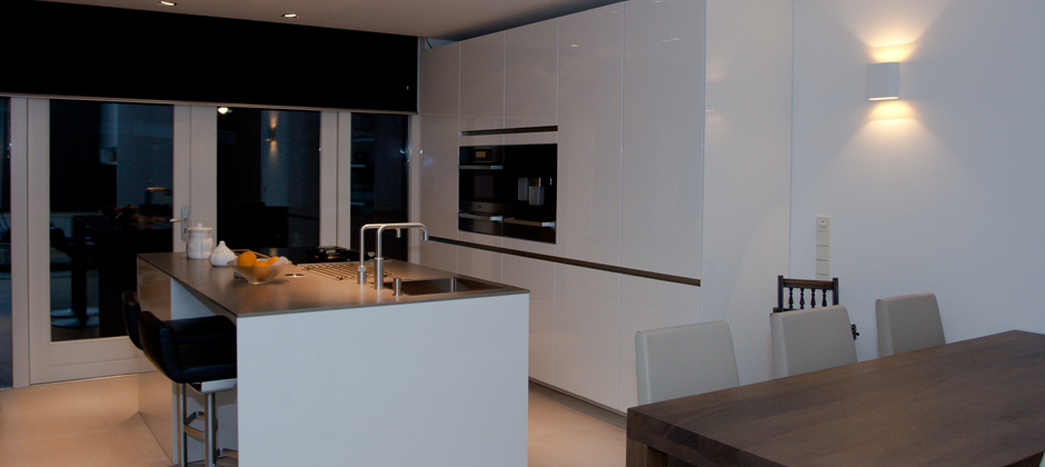 Maatwerk hoogglans keuken by Joosteninterieur